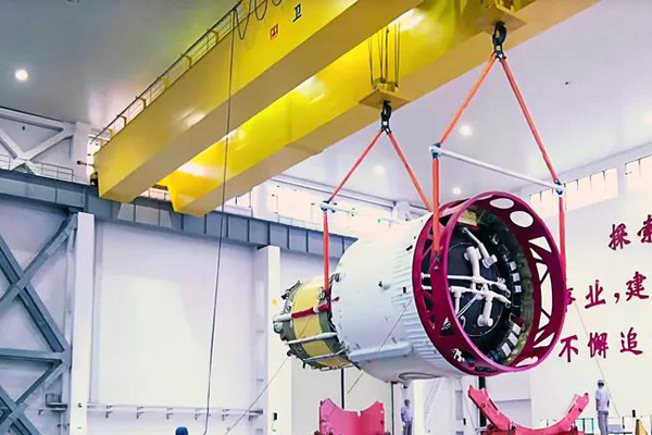 Weihua Crane Assist Launching Long March 5 Rocket