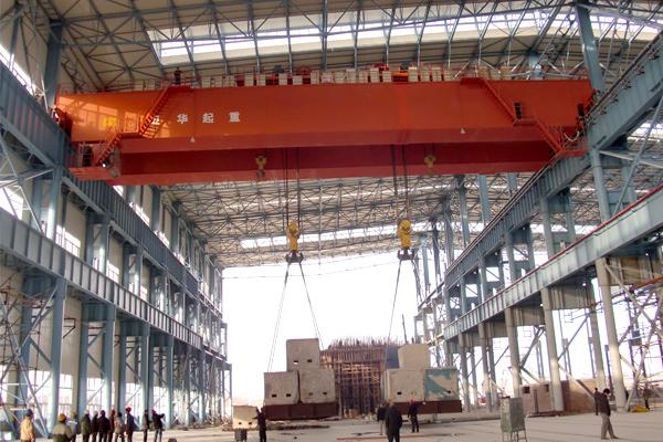 600t-bridge-crane-at-working