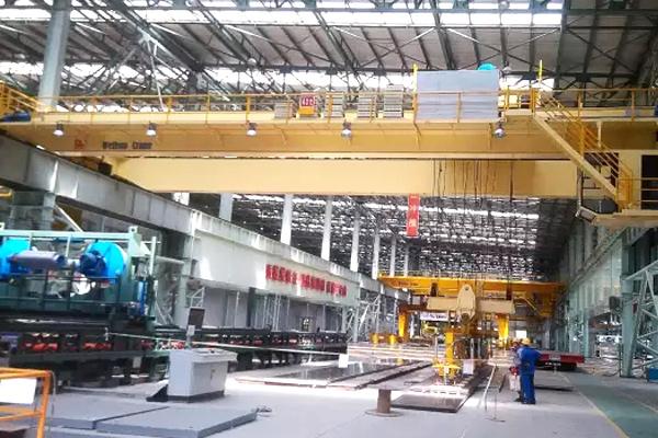 Bridge-crane-suction-spreader