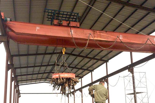 Magnechuck-bridge-crane
