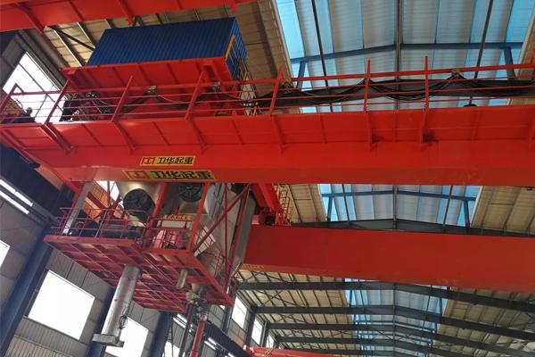 anode-carbon-furnace-crane