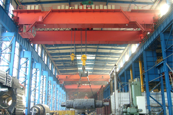 bridge-crane-at-working
