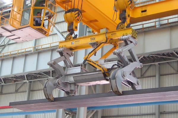 bridge-crane-with-clamps