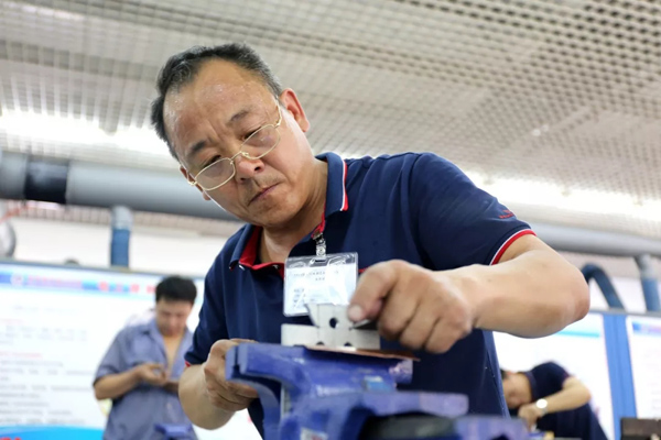 crane-manufacture-skill-competition