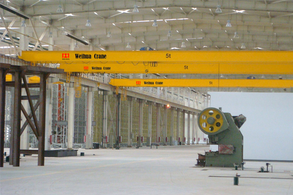 double-girder-bridge-crane-hoist