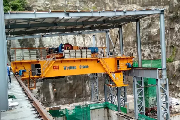 hydropower-bridge-crane-honduras