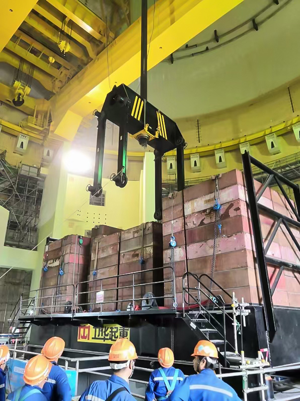 nuclear-power-station-crane-load-test