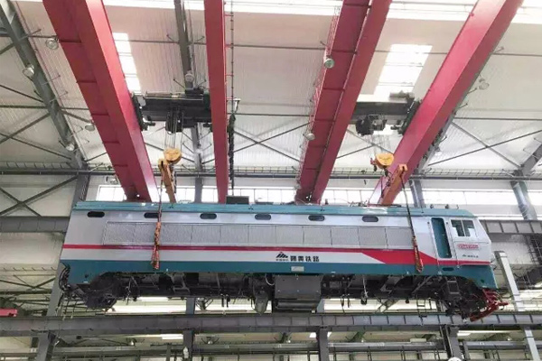 rail-vehicle-maintenance-bridge-crane