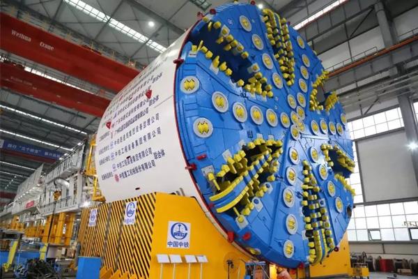 tunneling-shield-crane