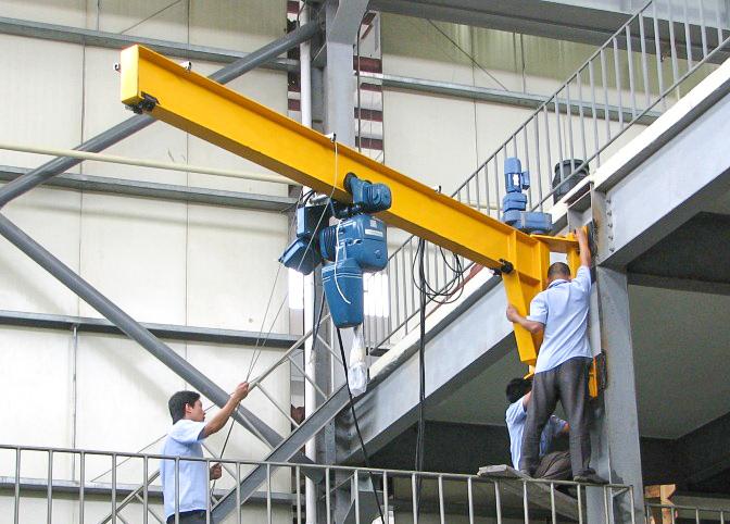 wall-jib-crane-installation